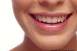 DIY Scrub and Serum to Lighten Dark Lips in 7 Days